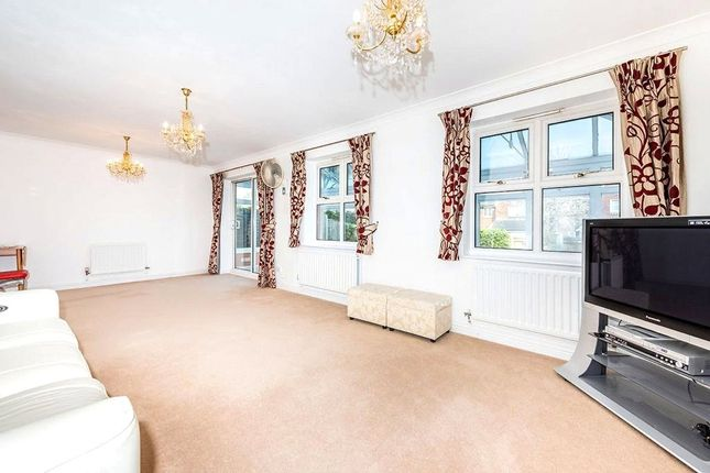 4 bed detached house to rent in Hadleigh Drive, Hadleigh Drive, Sutton, Surrey SM2