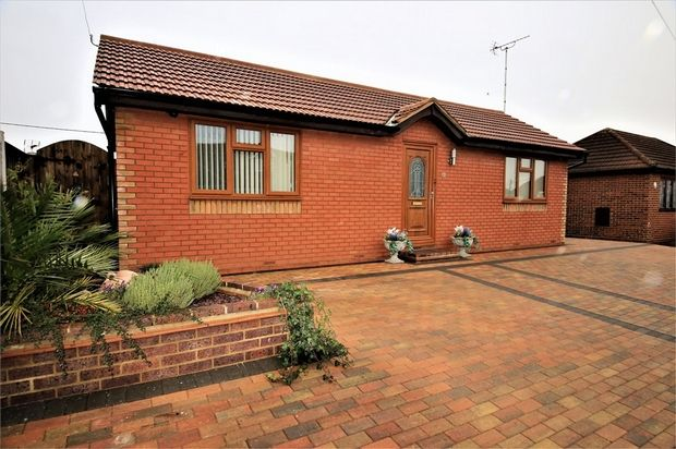 Thumbnail Detached bungalow for sale in Station Road, Canvey Island, Essex
