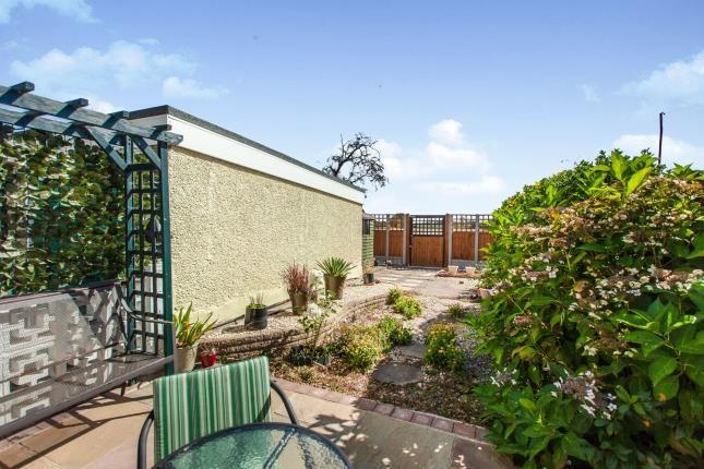 Garden of Lakeside, Rainham RM13