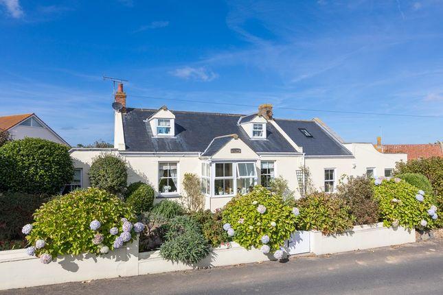 Thumbnail Cottage for sale in Route De Pleinmont, St. Pierre Du Bois, Guernsey