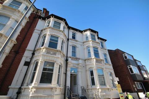 Thumbnail Property to rent in Clarendon Road, Southsea