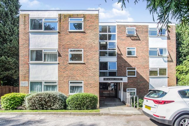 Thumbnail Flat for sale in Milton Road, Harpenden