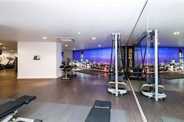 Picture No. 09 of Courtyard Apartments, 3 Avantgarde Place, London E1