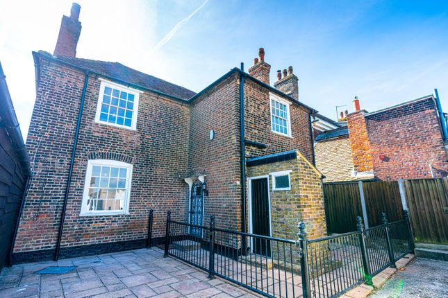 Thumbnail Detached house to rent in St. Margarets Street, Rochester, Kent