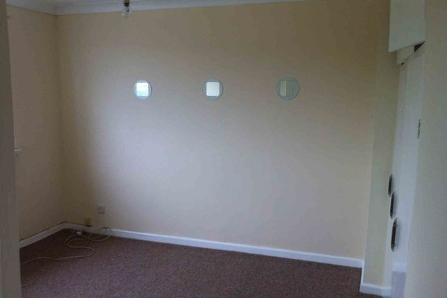 Thumbnail Semi-detached house to rent in Bwllfa Road, Ynystawe, Swansea