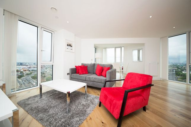 Flat to rent in Sky View Tower, 12 High Street, London, Stratford