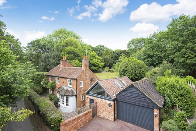 Thumbnail Detached house for sale in Knowl Hill, Reading