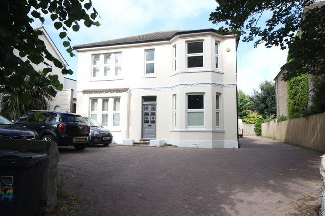 Thumbnail Flat to rent in Homefield Road, Broadwater, Worthing