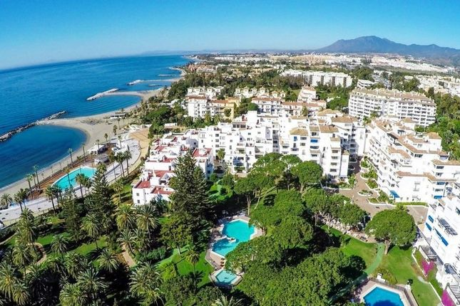 Thumbnail Apartment for sale in Marbella, Malaga, Spain