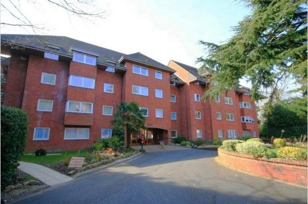 Thumbnail Flat to rent in Canford Cliffs Road, Canford Cliffs, Poole
