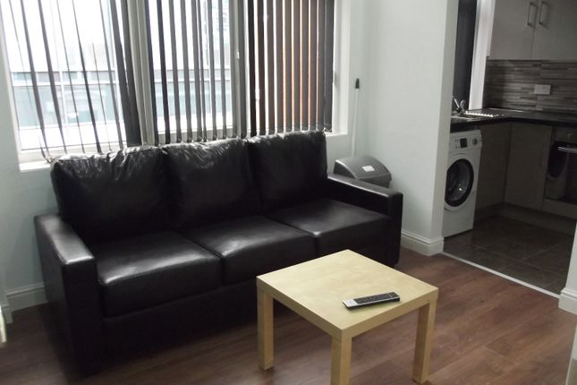 Thumbnail Flat to rent in Mount Street, Preston