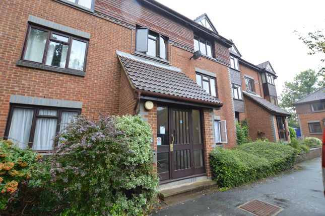 Thumbnail Flat to rent in Templecombe Mews, Dorchester Court, Woking