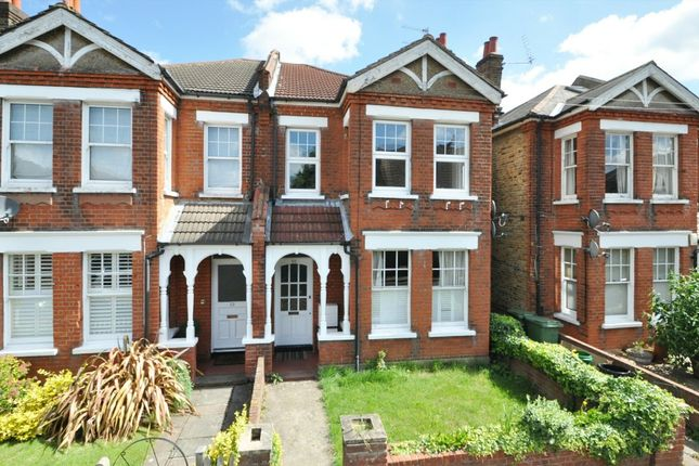 2 bed flat for sale in Lansdowne Road, Bromley