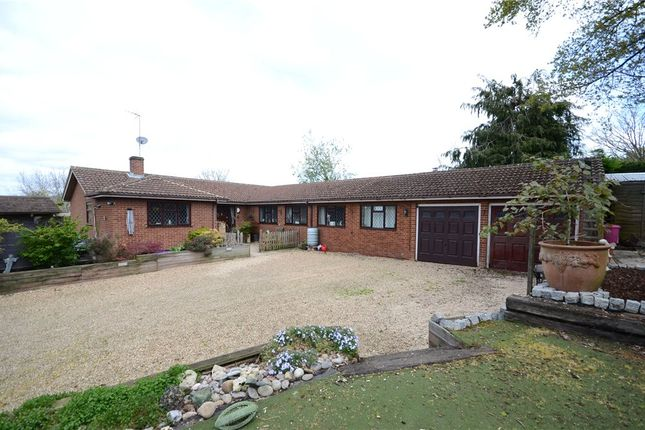 Thumbnail Detached house for sale in Westwood Row, Tilehurst, Reading