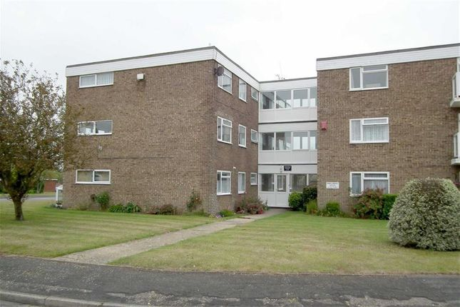 Thumbnail Flat to rent in Stirling Close, New Milton