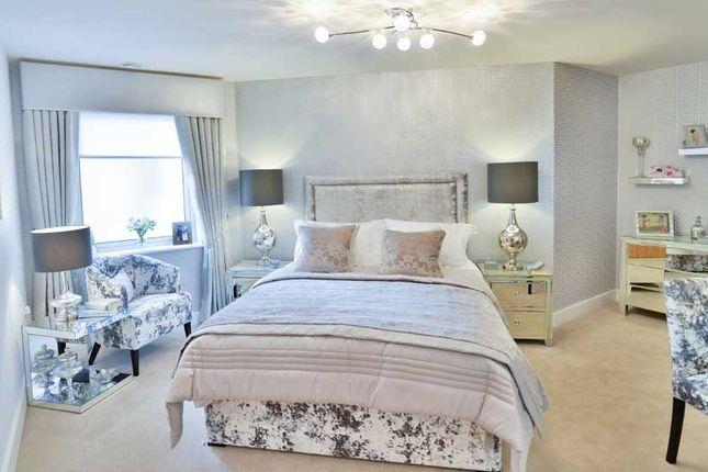 2 bedroom flat for sale in Twickenham Road, Isleworth
