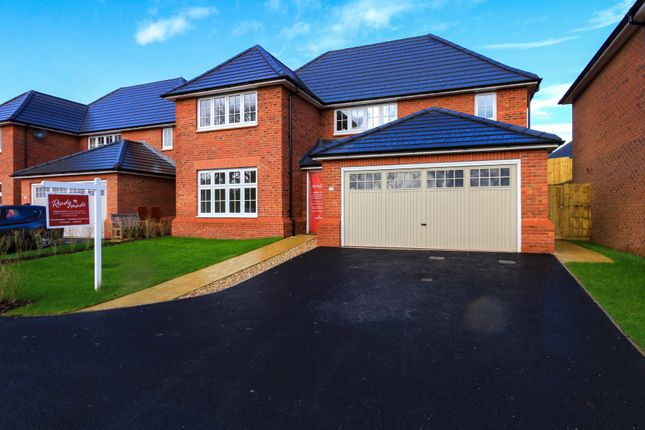 Front of Curlew Way, Dawlish EX7