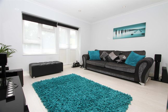 Living Room of Antoneys Close, Pinner HA5