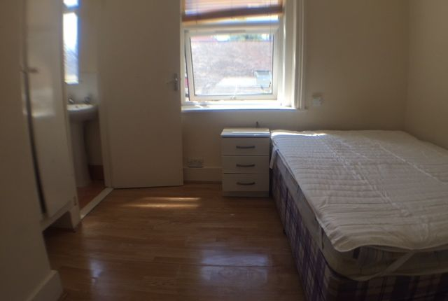 Thumbnail Studio to rent in 34 Park Street, Luton
