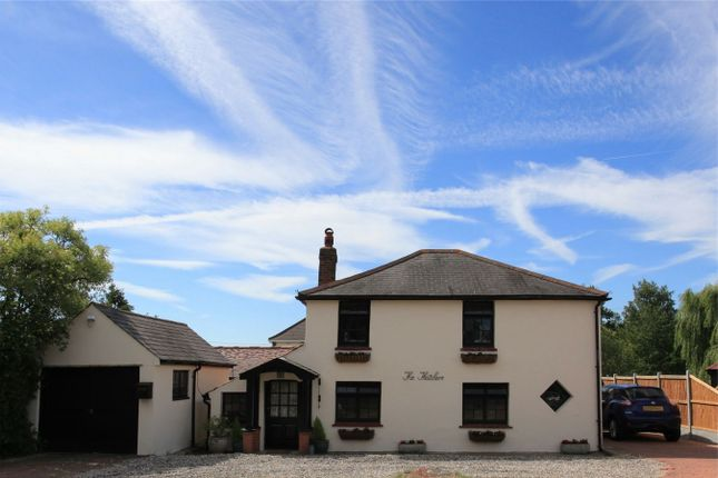 Thumbnail Detached house for sale in Thatchers, South Hanningfield Road, Rettendon, Chelmsford