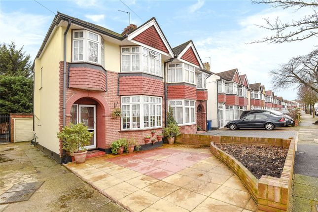 Picture No. 01 of Eskdale Avenue, Northolt, Middlesex UB5
