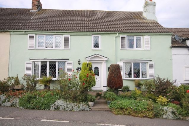 Thumbnail Cottage for sale in Mount Pleasant, Muston, Filey