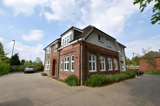 Thumbnail Property to rent in Burgh Side, Brighton Road, Banstead