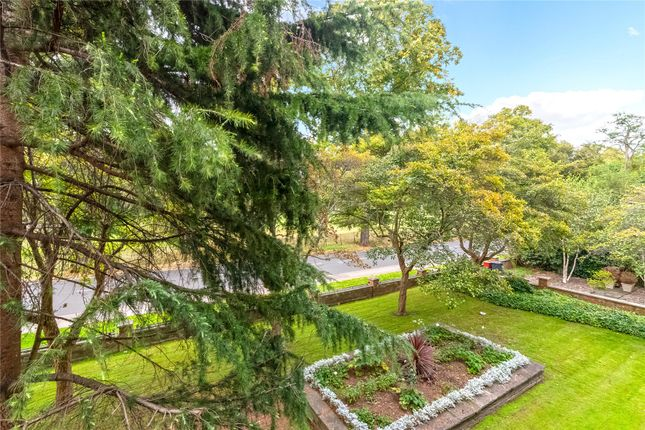 Communal Gardens of Goodwood House, Heathfield Terrace, Chiswick W4
