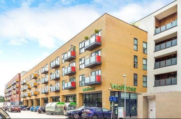 Thumbnail Flat to rent in Coombe Lane, London