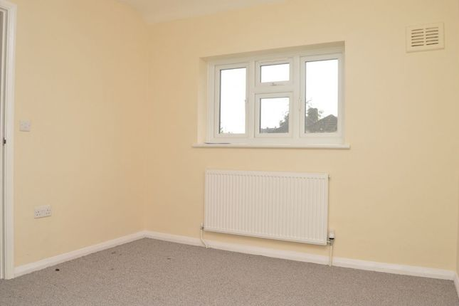 Thumbnail Semi-detached house to rent in Farnham Road, Slough, Berks