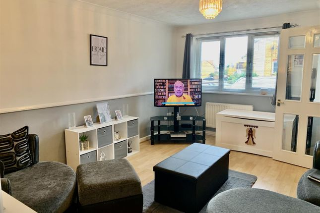 Thumbnail Property to rent in Boleyn Close, Maidenbower, Crawley