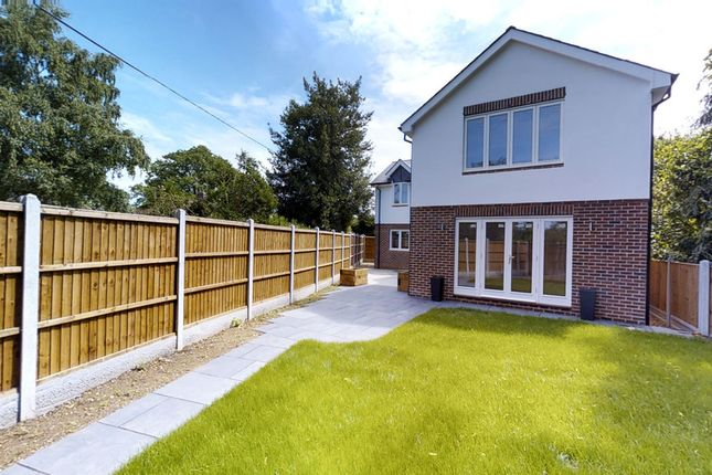 Thumbnail Detached house for sale in New Road, Great Baddow, Chelmsford