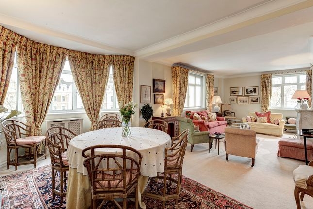 3 bed flat for sale in Onslow Crescent, London