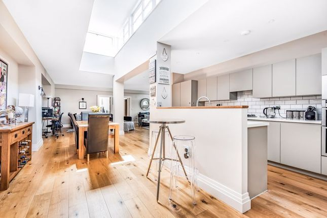3 bed flat for sale in Orchard Square, Caversfield, Bicester OX27
