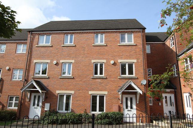 Thumbnail Town house to rent in Clarkes Court, Banbury
