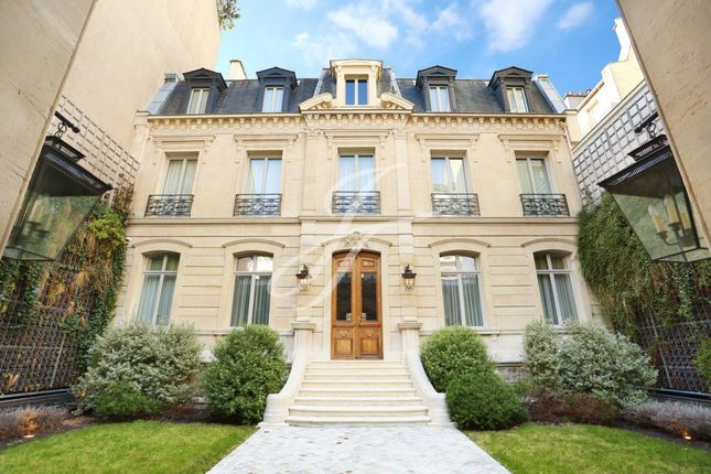 Thumbnail Property for sale in Paris 4th (Arsenal), 75004, France