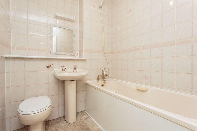 Bathroom of Dauntesey Avenue, Blackpool FY3