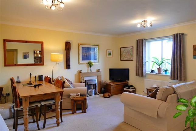 Thumbnail Flat for sale in Harrier Close, Lansdowne Park, Calne