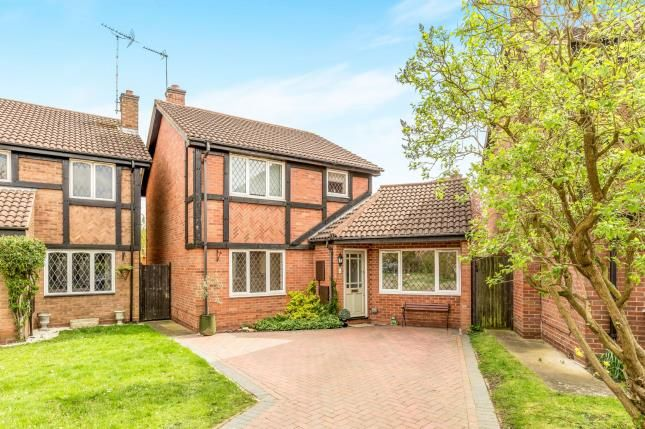 Thumbnail Detached house for sale in Cleeves Avenue, Warwick, .