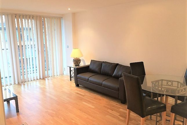 1 bed flat to rent in Viridian, 75 Battersea Park Road, Battersea, London SW8