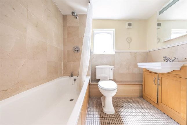 Bathroom of Ilminster Gardens, London SW11