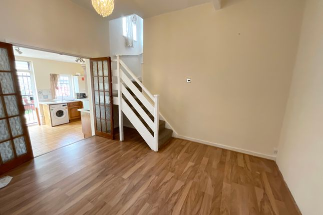 Thumbnail Semi-detached house to rent in Northbrook Road, Ilford