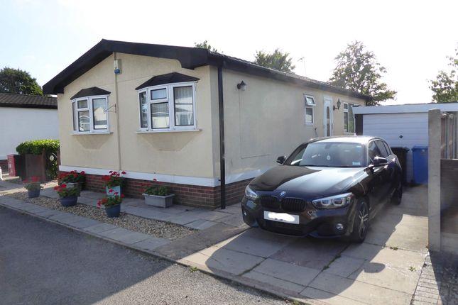 Thumbnail Mobile/park home for sale in The Hawthornes Park, Dunham On Trent, Newark, Nottinghamshire
