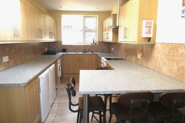 Thumbnail Terraced house to rent in Riley Road, Brighton