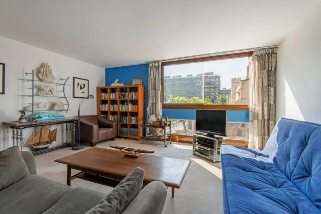 Thumbnail Property for sale in The Postern, Barbican, London