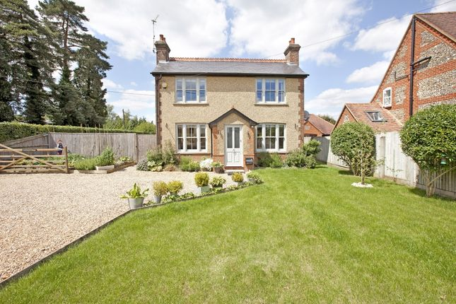 Thumbnail Cottage to rent in Featherbed Lane, Holmer Green