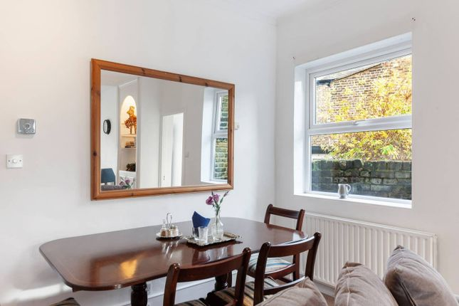 2 bed detached house to rent in Woodlands Park Road, London SE10