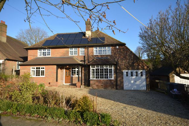 Thumbnail Detached house to rent in Longfield Drive, Amersham