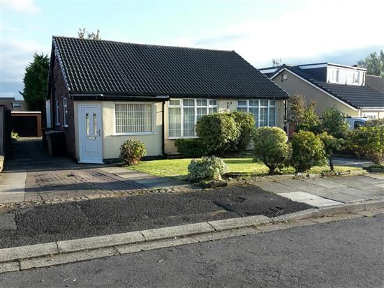 Thumbnail Bungalow to rent in Singleton Grove, Westhoughton, Bolton