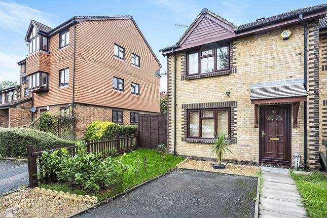 Thumbnail Property to rent in Tarragon Close, London